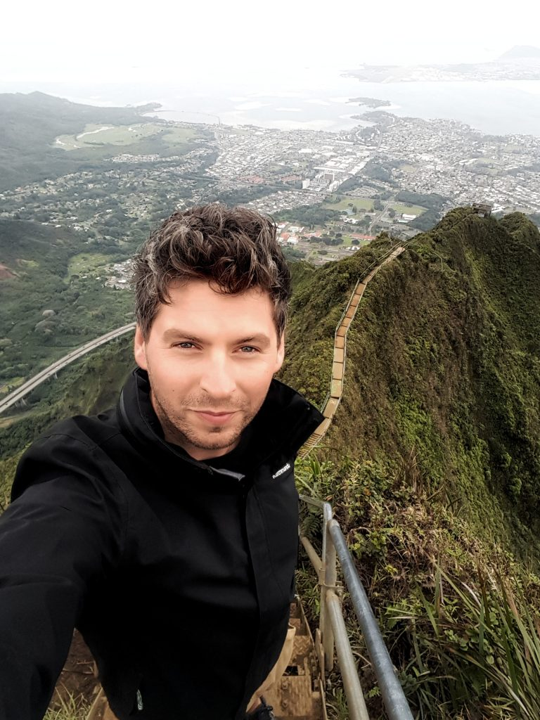 getting to the top of the haiku stairs