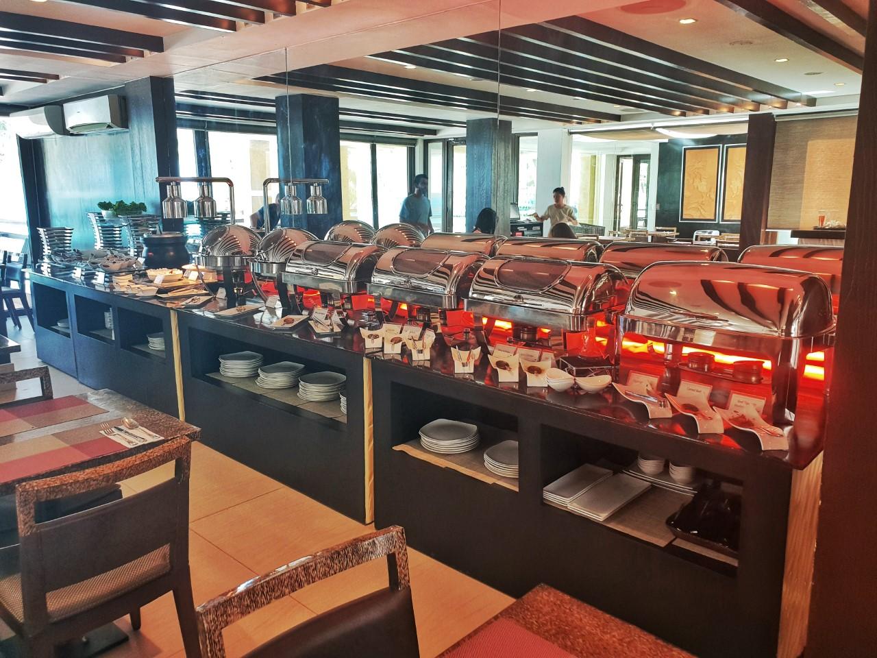 The District Boracay buffet breakfast star lounge