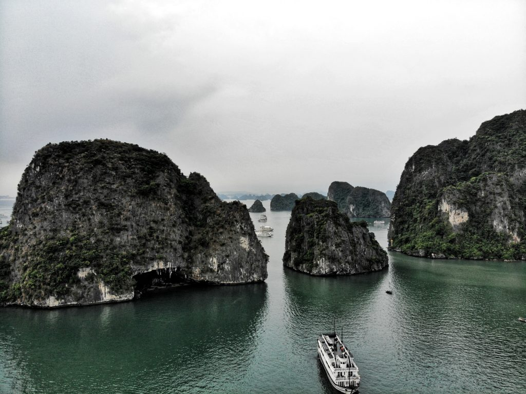 Paradise Luxury Cruise, Ha Long Bay, Vietnam