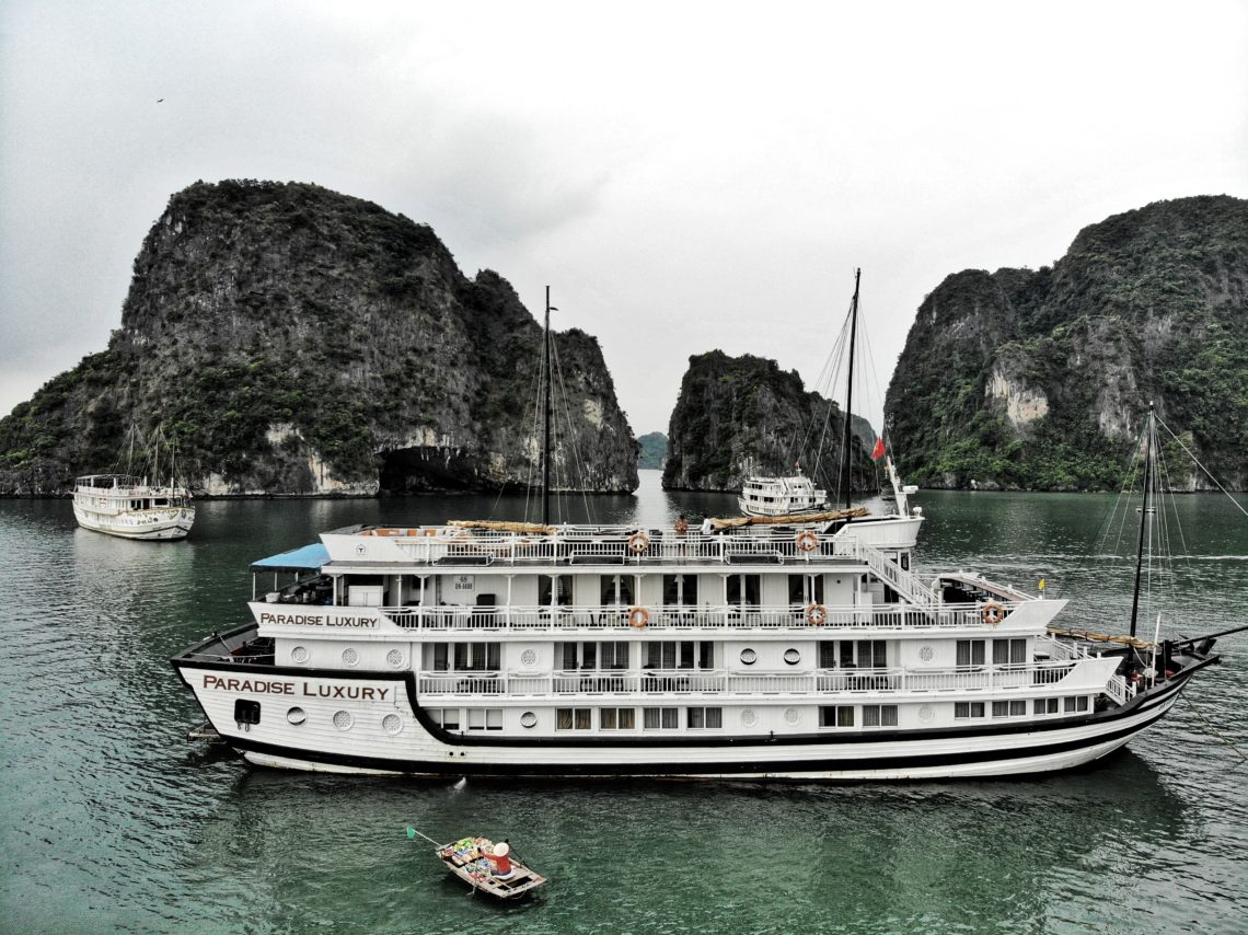 Paradise Luxury Cruise, Ha Long Bay, Vietnam